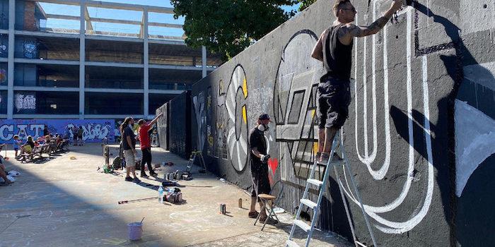Street art in Barcelona - Jardí de les tres xemeneies