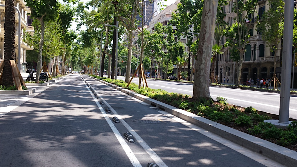 wide spaces represent the character of the Avinguda Diagonal