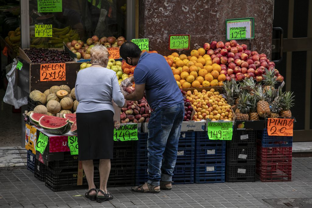 Cost of living in Barcelona - mediterranean diet fo foodies in Barcelona markets