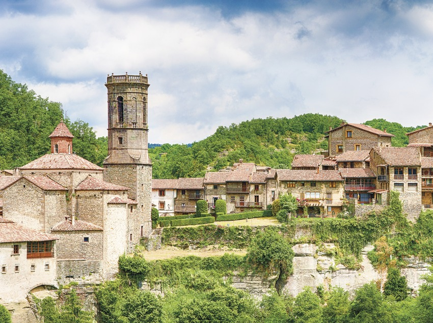 Day trip from Barcelona - Day trip to Rupit